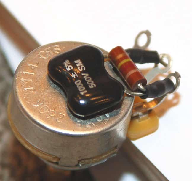 Treble bleed guitare résistance en série et parallèle